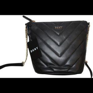 DKNY Veronica Bucket Crossbody Bag!! Nwt!!